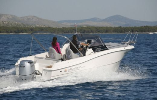 Pacific Craft Atlantic 730 Sun Cruiser en Tribunj en alquiler