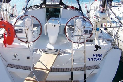 Hire Sailboat JEANNEAU 39i Samos