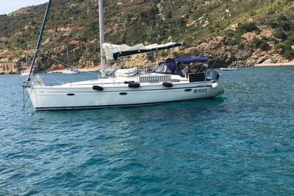 Hire Sailboat Bavaria 39 Cruiser La Maddalena