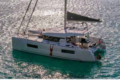 Hire Catamaran Sea Rider Location avec skipper Lagoon 40 Toulon