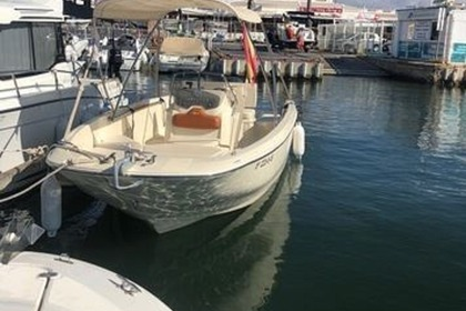 Hire Motorboat Invictus 190 FX Kotor