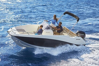 Hire Motorboat Quicksilver 550 Commander Salles-Curan