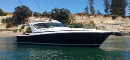 Charter Motorboat Riviera 4000 Offshore Palamós