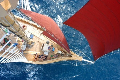 Charter Sailboat Custom Built 88ft Tallship Whitsunday Islands