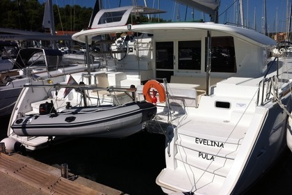 Hire Catamaran LAGOON 400 S2 Medulin