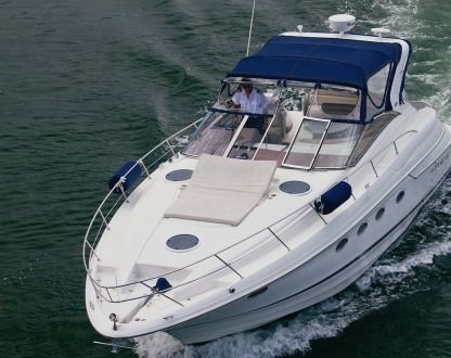 Charter Motorboat Regal Marine Regal Commodore Sunny Isles Beach