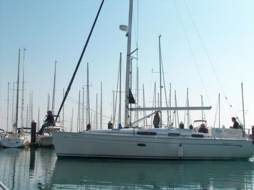 Charter sailboat in Cadix peer-to-peer