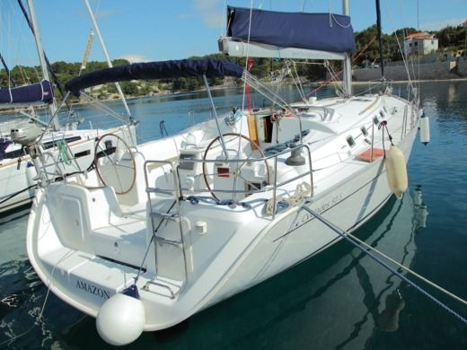 Charter Sailboat Beneteau Cyclades 50.5 Amazon Općina Šolta
