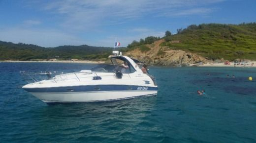 Charter motorboat in Cogolin peer-to-peer
