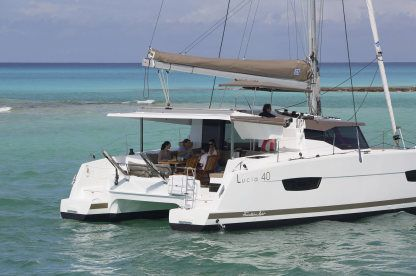 Location Catamaran  Lucia 40 Pula