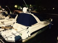 BateauAMoteur Regal Commodore 322 en alquiler