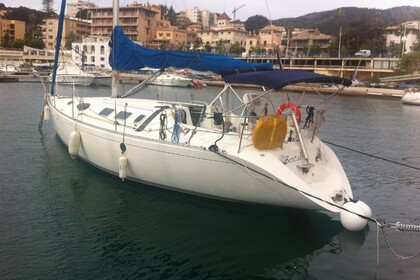 Hire Sailboat BENETEAU FIRST 38S5 Mallorca
