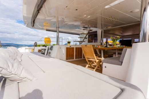Beneteau Lagoon 620 in Trogir peer-to-peer