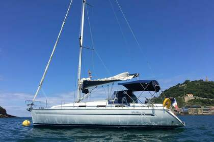 Hire Sailboat BAVARIA 36 Hendaye