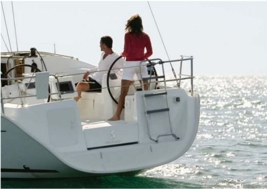 Rental Sailboat Beneteau Cyclades 43.4 Cannes