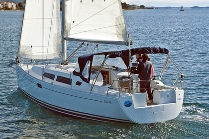 Hire Sailboat HANSE 350 Sukošan