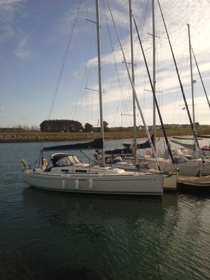 Rental Sailboat Dufour Dufour 34 Performance (Co-Navigation) Arzal