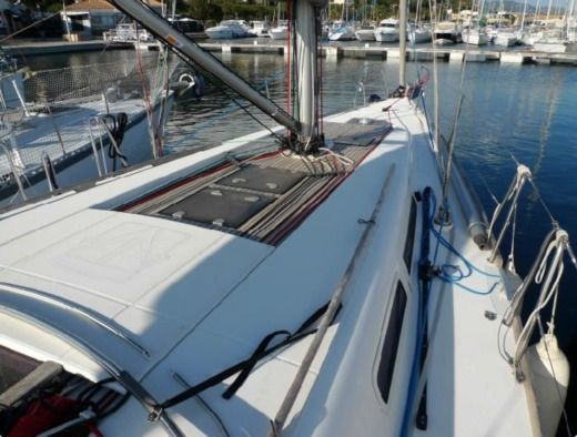 Sailboat DUFOUR 40E PERFORMANCE for hire