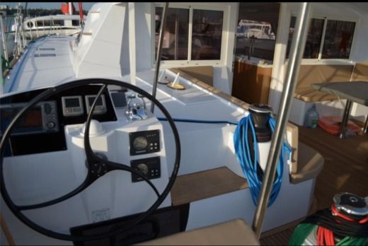 Catamaran Nautitech 542 for rental
