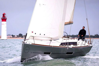 Hire Sailboat Dufour Dufour 382 Grand Large Nikiti