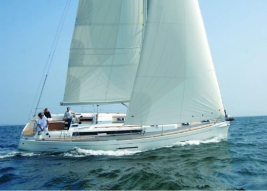 Sailboat Dufour 450 for hire