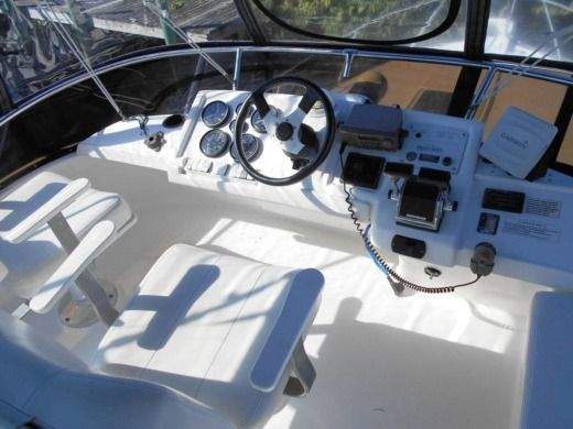 Silverton 312 Sedan Cruiser Flybridge a Stuart da noleggiare
