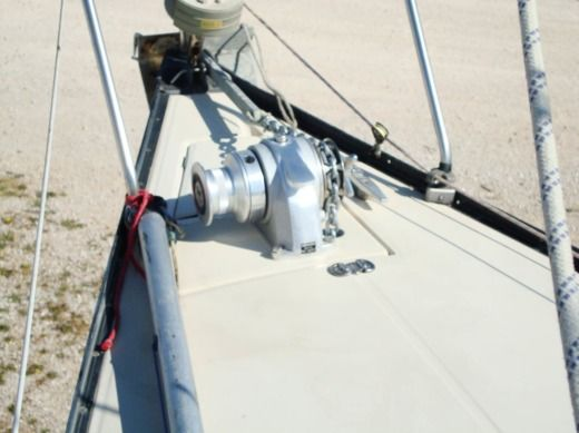 Sailboat BENETEAU First 25 for hire