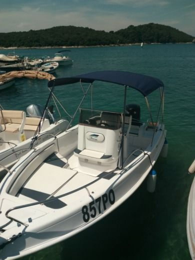 Marine 19 in Vrsar for hire