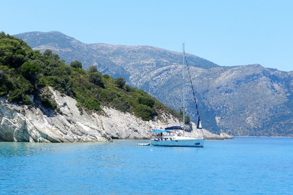 Rental Sailboat JEANNEAU SO 42i Lefkada