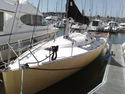 Charter Sailboat Gl Composite Django 75 Arzon