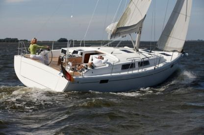 Charter Sailboat Hanse 385 Road Town