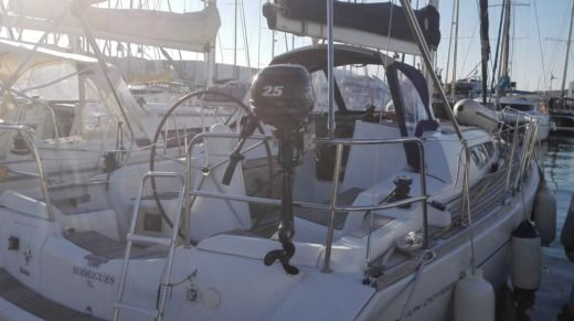 Jeanneau Sun Odyssey 36i in Saint-Mandrier-sur-Mer for hire