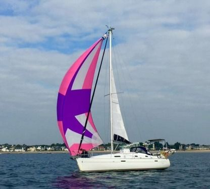 Charter Sailboat Beneteau 331 Clipper Brest