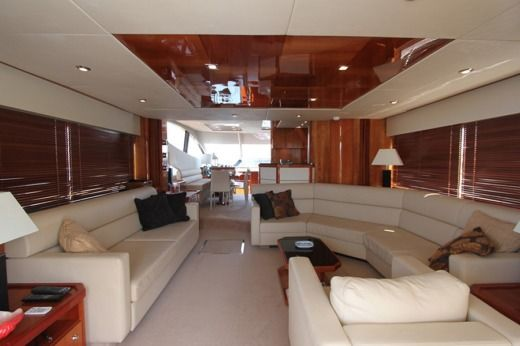 Charter Motorboat Sunseeker Manhattan 70 Malta