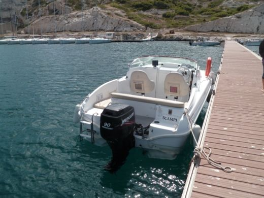 Beneteau Flyer 550 Cabin in Marseille for hire