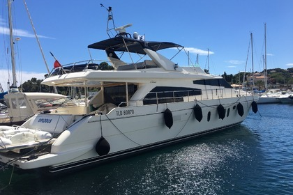 Location Yacht GUY COUACH 2200 FLY Cavalaire-sur-Mer