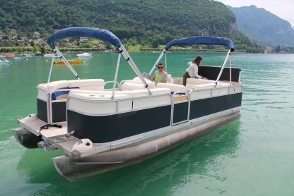 Charter Motorboat Pronaubec Diamond 2080 Talloires