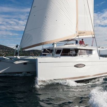 Rental Catamaran Fountaine Pajot Helia 44 Cogolin