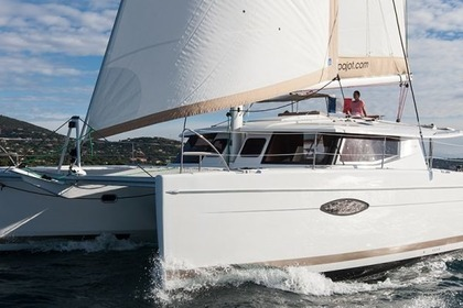 Charter Catamaran FOUNTAINE PAJOT HELIA 44 Cogolin