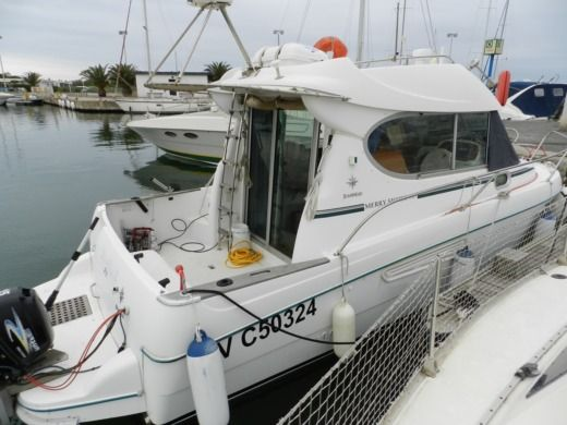 Jeanneau Merry-Fisher 805 in Saint-Cyprien for hire