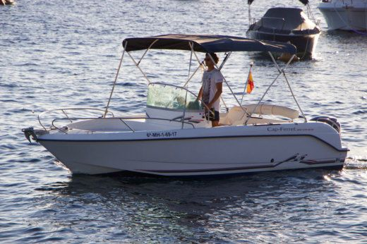 B2 Marine Cap Ferret 650 Open in Menorca for rental