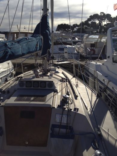 Sailboat BENETEAU FIRST 27 for hire