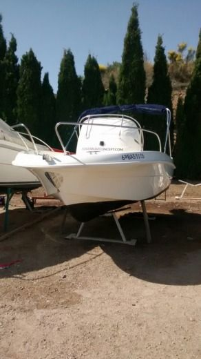 Jeanneau Cap Camarat 545 in Empuriabrava for hire