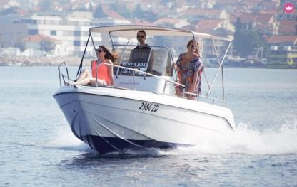Charter Motorboat Reful Hm 22 Flyer Zadar
