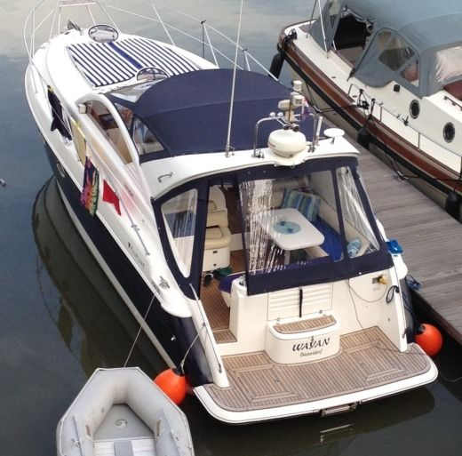 FAIRLINE TARGA39 a Ruremonde tra privati