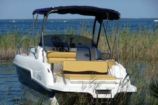 Motorboat LEXSIA 20Xs for hire