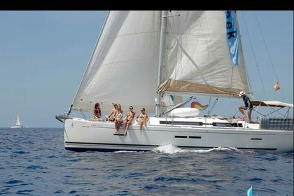 Rental Sailboat DUFOUR 405 Grand Large | 2011 Valencia