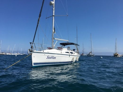 Sailboat Hunter 33' Sailboat