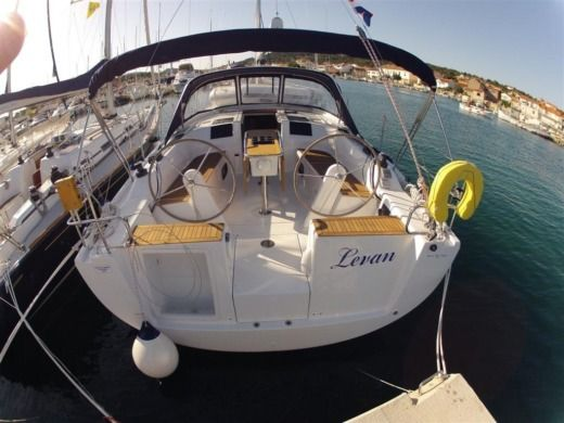 Hanse Hanse 385 in Šibenik-Knin County for hire
