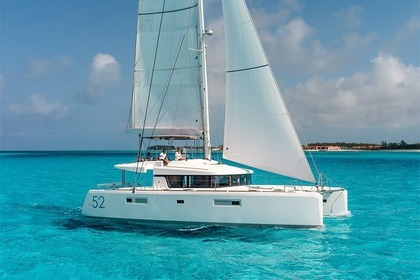 Hire Catamaran LAGOON 52 Laurium